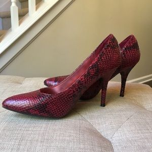 Mossimo Supply Co. Shoes - Mossimo Snakeskin Pumps Red & Black 8